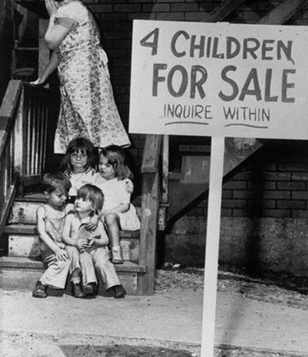 29-Mother-hides-her-face-in-shame-after-putting-her-children-up-for-sale-Chicago-1948