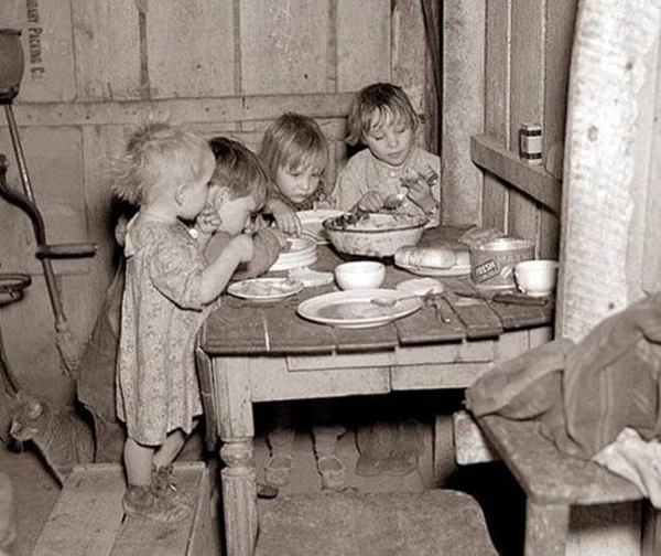 32-Christmas-dinner-during-Great-Depression-turnips-and-cabbage