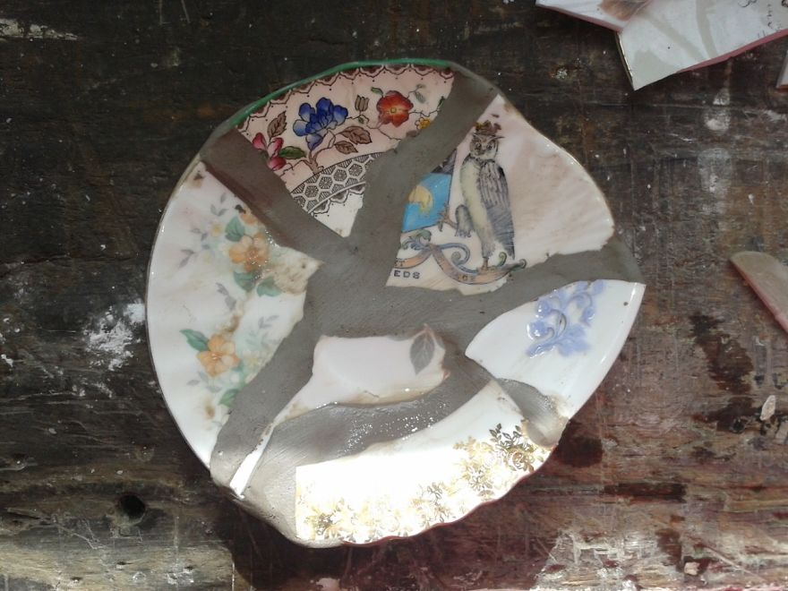 Ceramicist-Break-up-and-re-build-pottery-made-from-pieces-from-charity-shops.-5__880