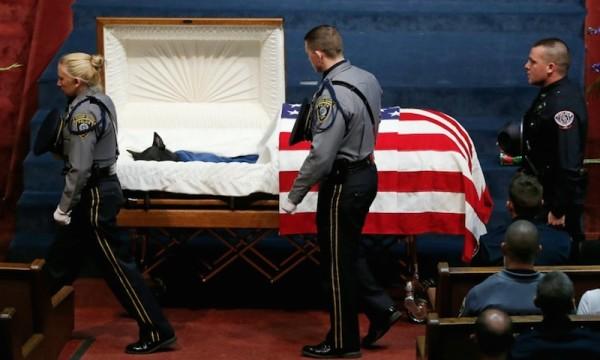 dog-casket-funeral-600x360